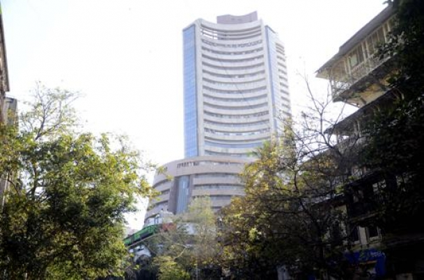 The Weekend Leader - Steepest fall in Sensex, crashes over 1,625 points