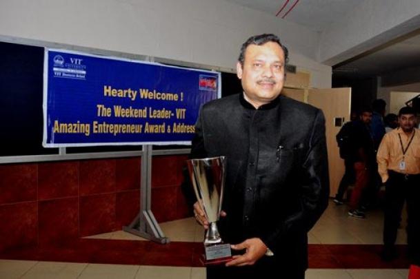 The Weekend Leader - A Afzal, MD, Parveen Travels receives The Weekend Leader - VIT Amazing Entrepreneur Award