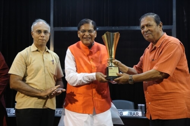 The Weekend Leader - The Weekend Leader - VIT Person of the Year 2019 Dr Bindeshwar Pathak