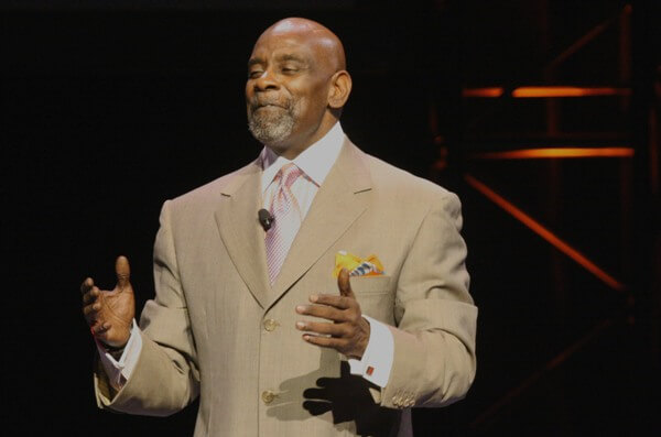 The Weekend Leader - Success Story of Chris Gardner, founder of Gardner Rich & Company and Author of 'The Pursuit of Happyness'