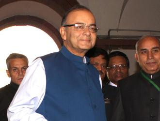 The Weekend Leader - Jaitley makes fashion statement with Nehru jacket