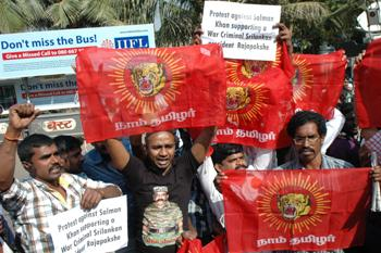 The Weekend Leader - Tamils protest against Salman in Mumbai