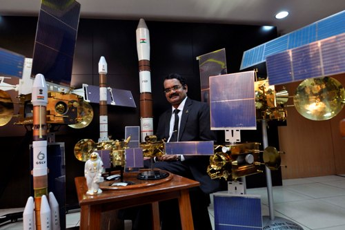 https://www.theweekendleader.com/admin/upload/mar15-17-isro.jpg