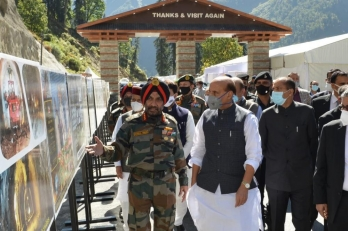 ?Ahead of PM's visit, Rajnath Singh inspects Atal Tunnel