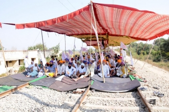 ?Will allow goods trains to run in Punjab till Nov 20, say farmers