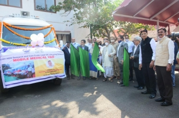 Mobile medical van launched for 20 Mumbai slums
