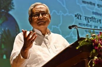 Nitish gives govt report card during first virtual rally, attacks Tejashwi, Tej Pratap