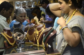 Only purchase of jewellery above Rs 2 lakh needs mandatory KYC
