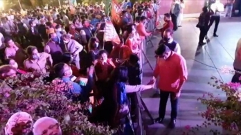Supporters break barriers to welcome BJP chief, even before Nadda arrives