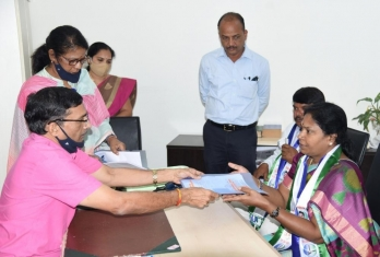 YSRCP pick Sunitha files nomination for Andhra MLC election