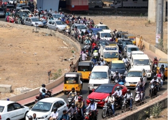 Link traffic offences with insurance premium: IRDAI committee