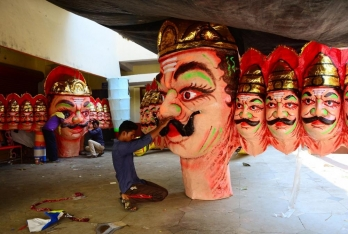 ?Artisans stare at penury as no buyers for Ravana effigies