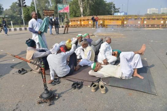 Plea in SC: Farmers blocking emerge